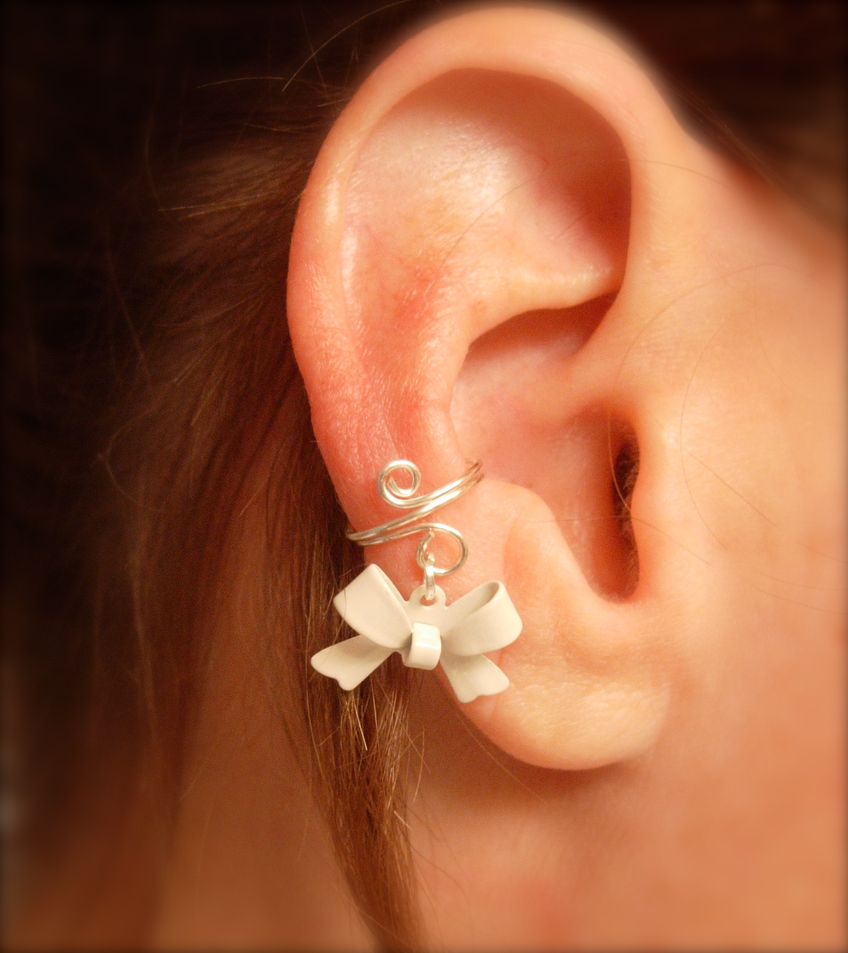 ear cuff dainty and feminine silver cuff with white bow. Black Bedroom Furniture Sets. Home Design Ideas